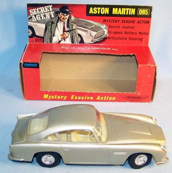 Jmaes Bond Lincoln. Aston Martin DB5 007