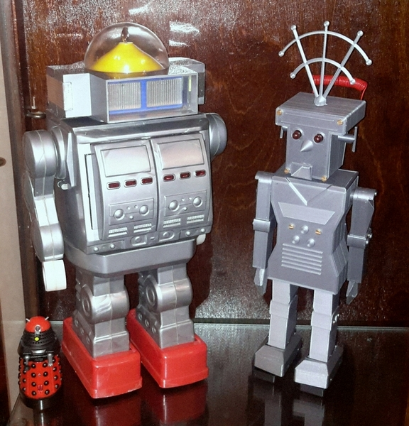 Mego Giant Robot & Roboter 700 by Brian Hayes