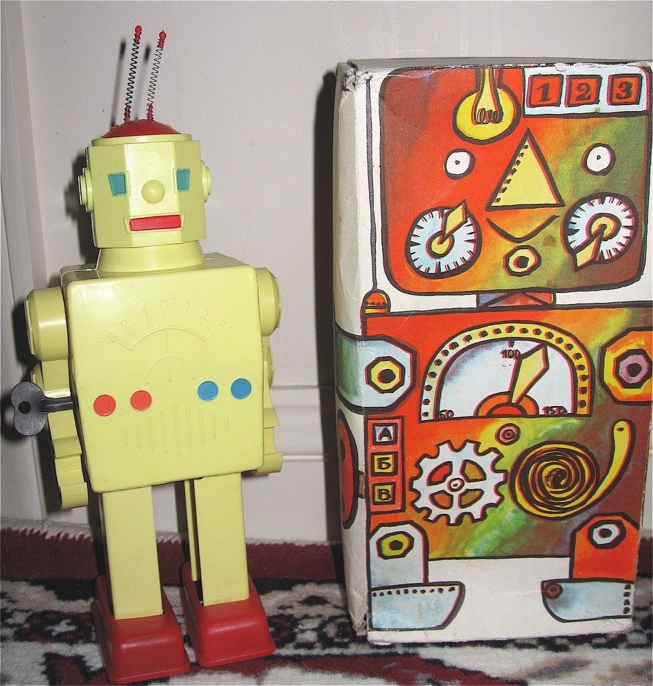 Pogot Hex Head Soviet Russian Robot wind up with box