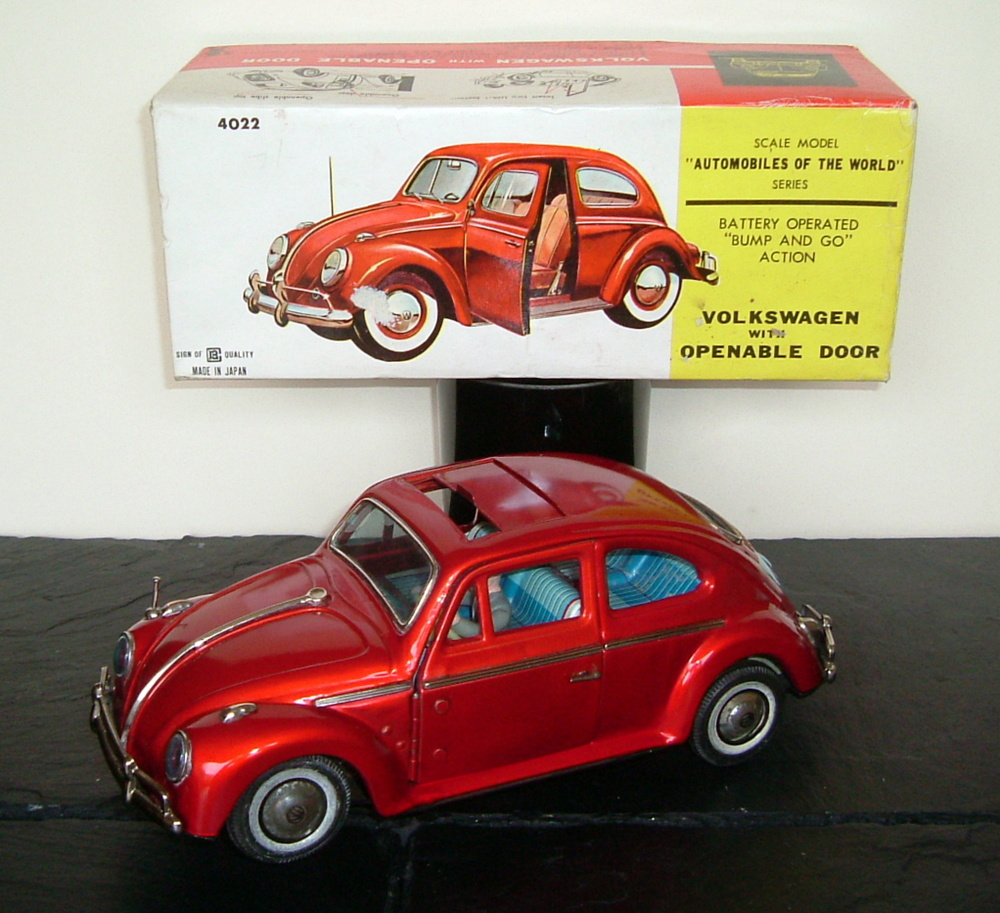Bandai 4022 VW Volkswagen Sedan Beetle with openable Door