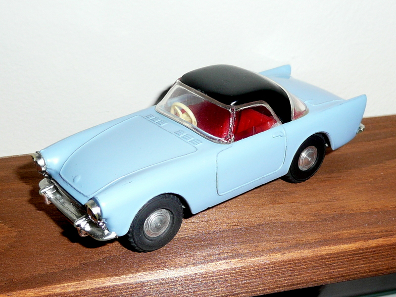 191/1 Tri-ang Spot On model Sunbeam Alpine sports car with hardtop blue