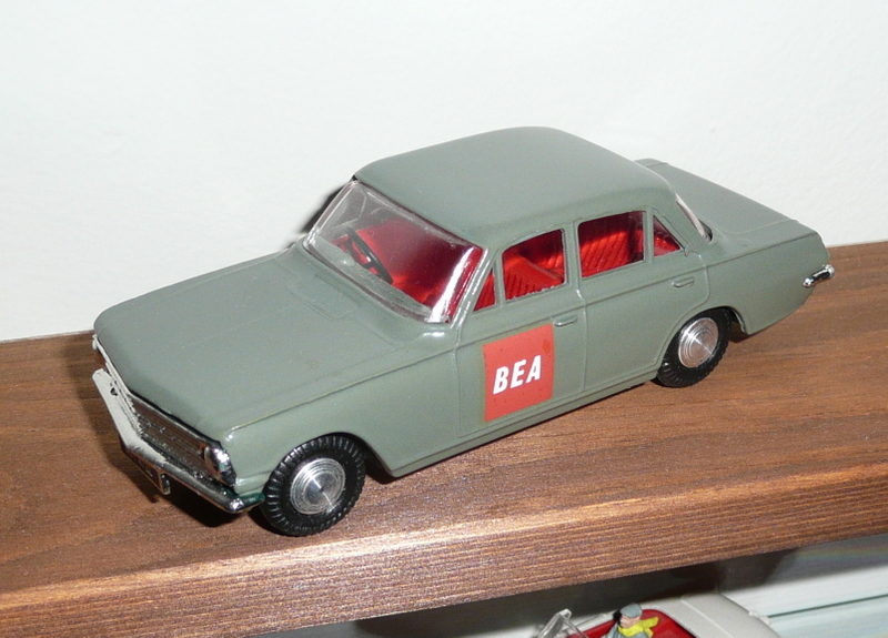 405 Tri-ang Spot On model Vauxhall Cresta PB BEA