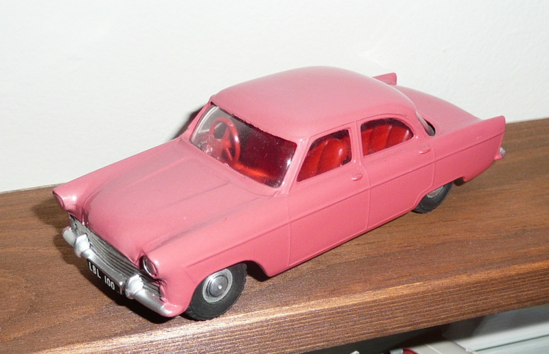 100 Tri-ang Spot On model Ford Zodiac