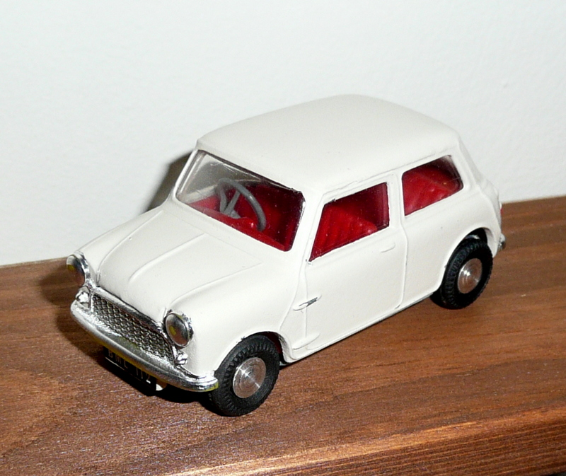211 Tri-ang Spot On model BMC Austin 7 Mini