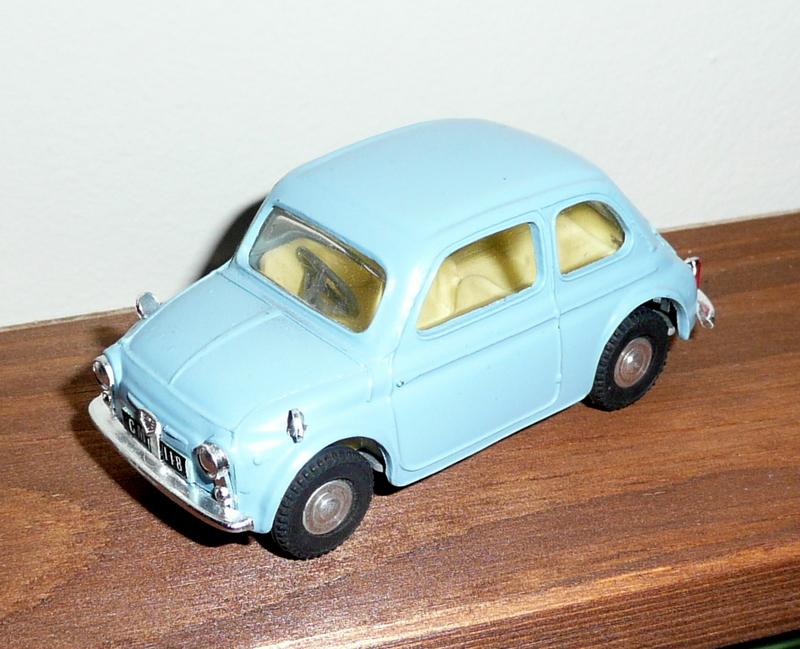 185 Tri-ang Spot On model Fiat 500