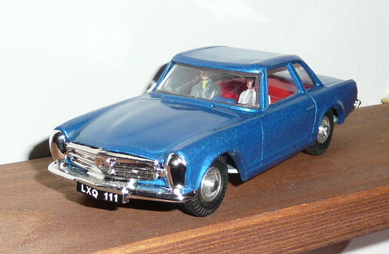 278 Tri-ang Spot On model Mercedes Benz 230 SL