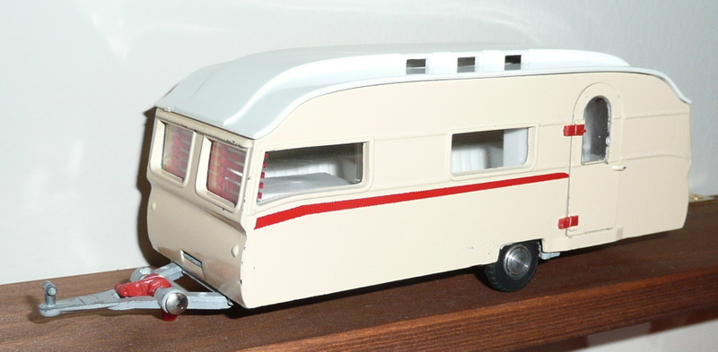 264 Tri-ang Spot On model Eccles Tourist Caravan