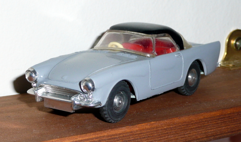 191/1 Tri-ang Spot On model Sunbeam Alpine with hardtop grey