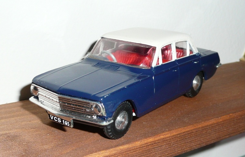 280 Tri-ang Spot On model Vauxhall Cresta PB